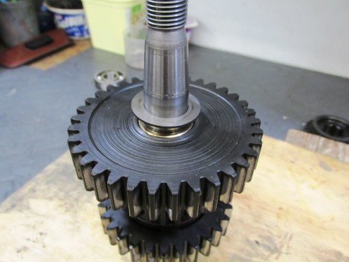 Output Shaft Wider 1st Gear Washer Face With Sharp Edge Points Outward