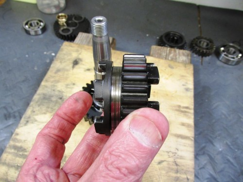 Output Shaft 4th Gear Face With Slot Faces 2nd Gear