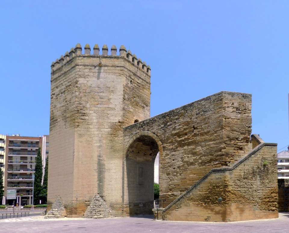 Torre de la Malmuerta de la muralla de Cordoba 01