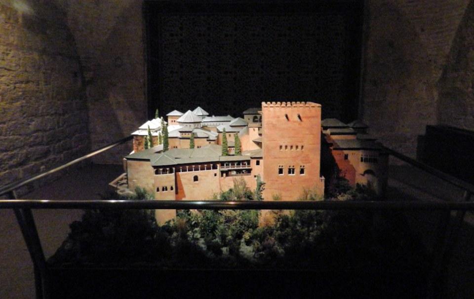 maqueta de La Alhambra de Granada Museo Vivo de Al-Andalus Torre de Calahorra Cordoba 01