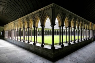 Le cloître // The cloister