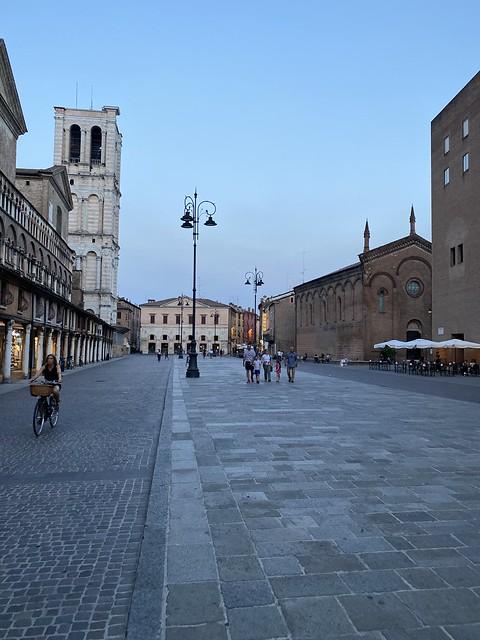 Ferrara für uns allein