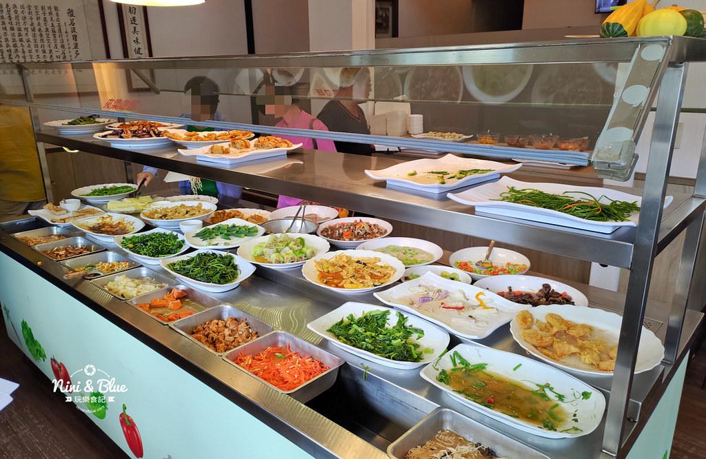 初一素蔬食自助餐館 | 不是初一也能吃素的臺中素食自助餐。超過40道素食菜餚。臺中素食推薦 Nini and Blue 玩樂 ...