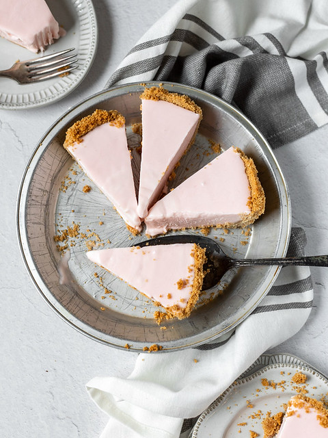 Frozen Pink Lemonade Pie BLOG (3 of 3)