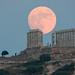 moonrise at the temple of Poseidon