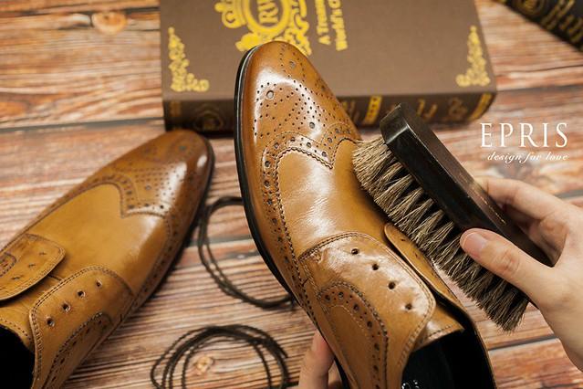 皮鞋保養 咖啡色 清潔 鬃毛刷   美編 艾佩絲   Flickr