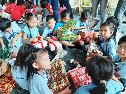 My Dream in a Shoebox  Year 11 December gift-giving days of My Dream in a Shoebox with Payatas Orione Foundation in Quezon City