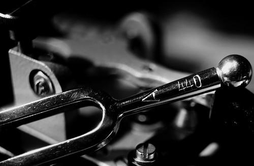 Die Stimmgabel (tuning fork)