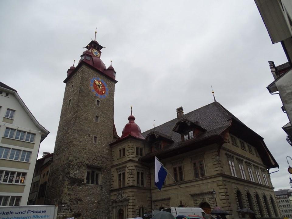 Ayuntamiento Rathaus torre Lucerna Suiza 01
