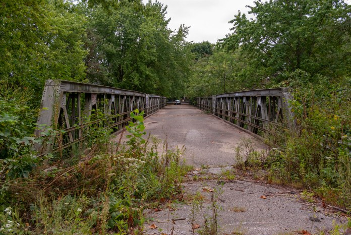 Abandoned bridge on 37/DH