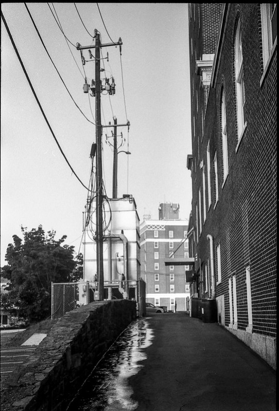 back alley, archcitecture, power lines, downtown, late light, Asheville, NC, Minolta XG-M, Fomapan 200, HC-110 developer, 9.13.20