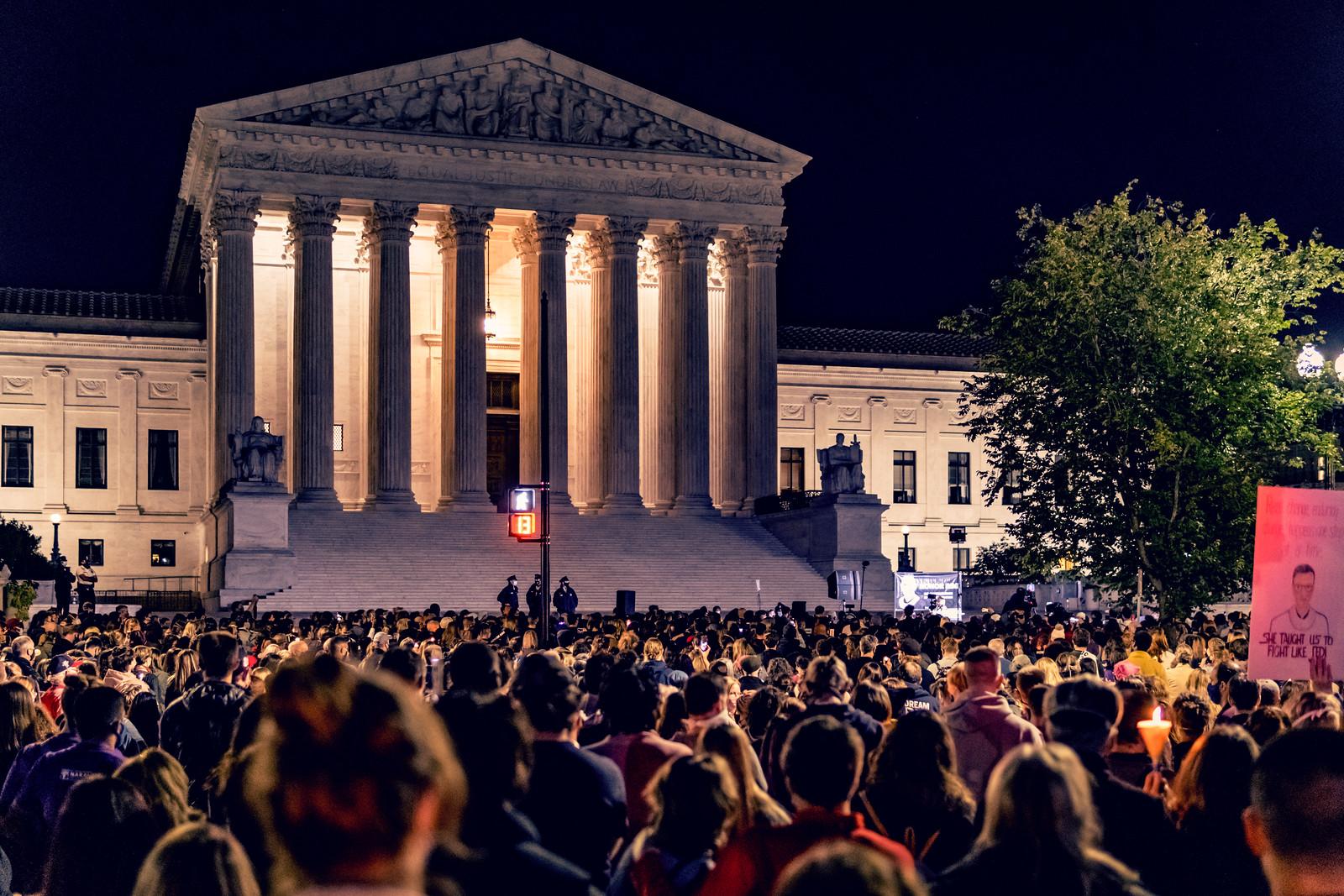 Photos: Mourning Ruth Bader Ginsburg, Washington, DC USA