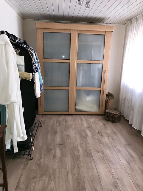 Kledingkamer met kast