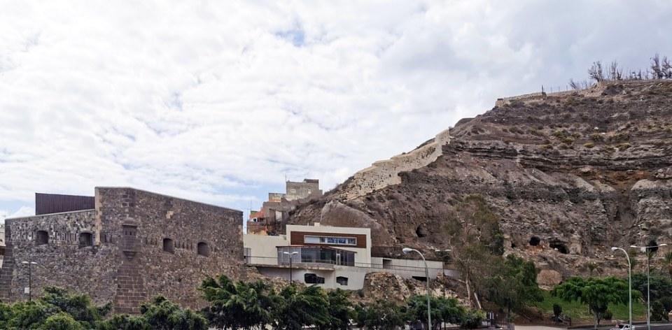 exterior Castillo de Mata Castillo de Casa Mata o Cuartel de Alonso Alvarado Las Palmas de Gran Canaria 02