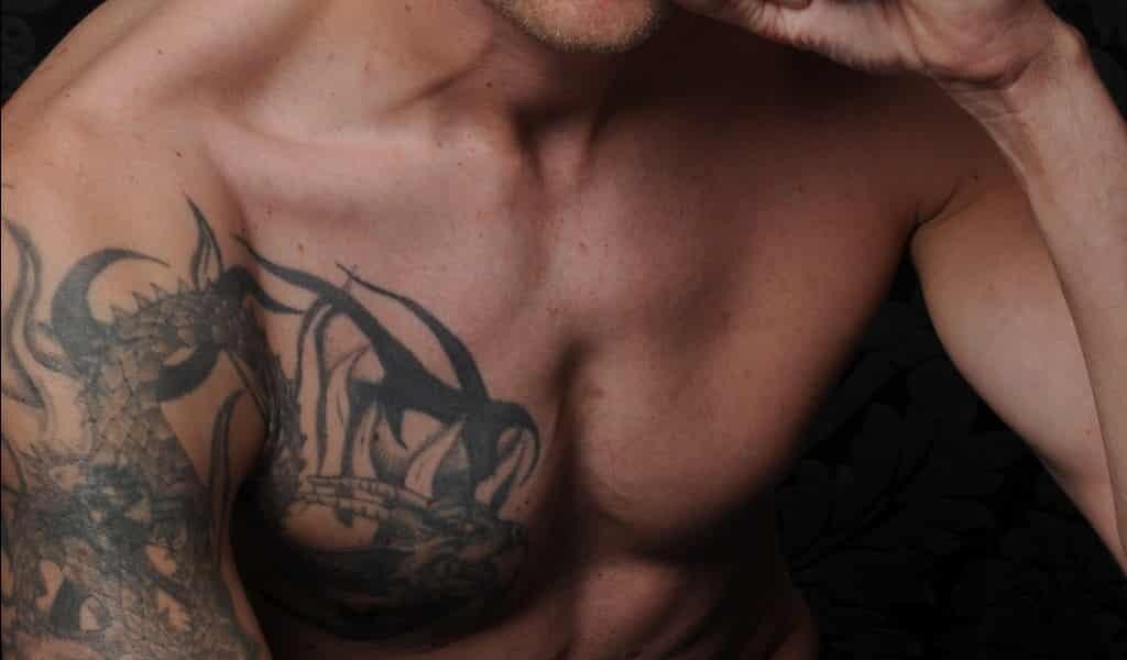les-tatouages-endommagent-les-glandes-sudoripares