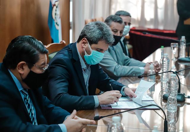 2020-09-29 PRENSA: Firma de convenio entre el Gobierno de San Juan, la UNSJ y la UCCuyo