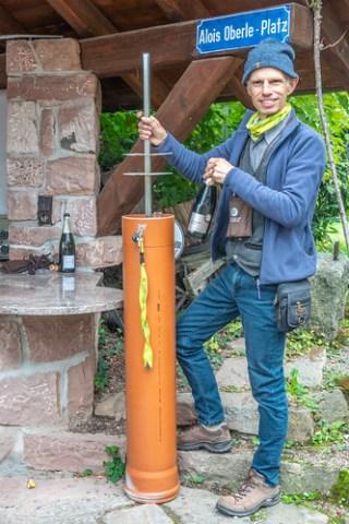 Eugen Oberle mit neuem Weinversteck