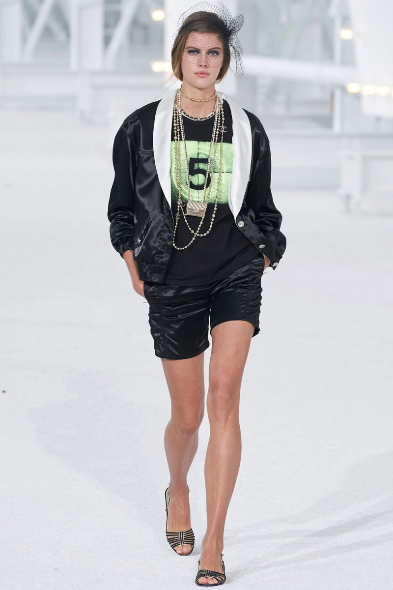 fashion_week_spring_2021_ready-to-wear_chanel_1