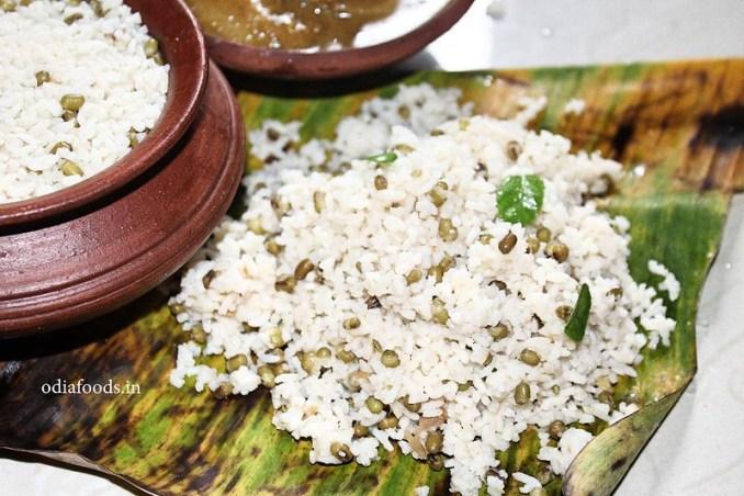 Adda hengu muga khechidi – Adda Hing Moong Khichidi – Traditional Odia Style