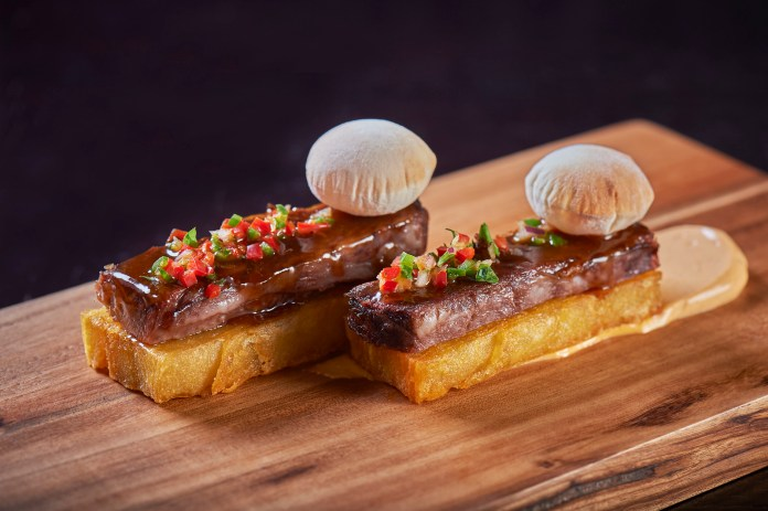 Beef_short_rib_potato_gratin_paprika_alioli