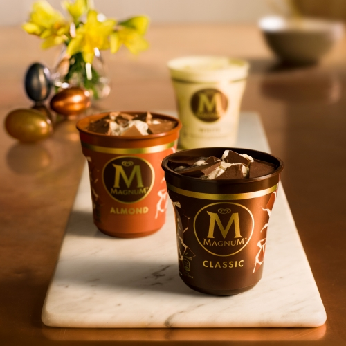 Magnum Pints in Classic, Almond and White variants