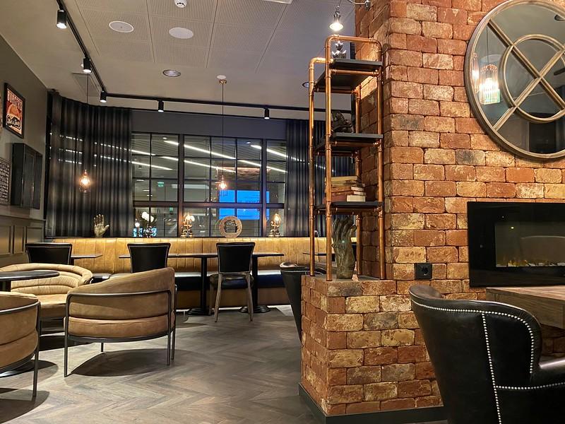 Hotelli Scandic Pasilan viihtyisä baari