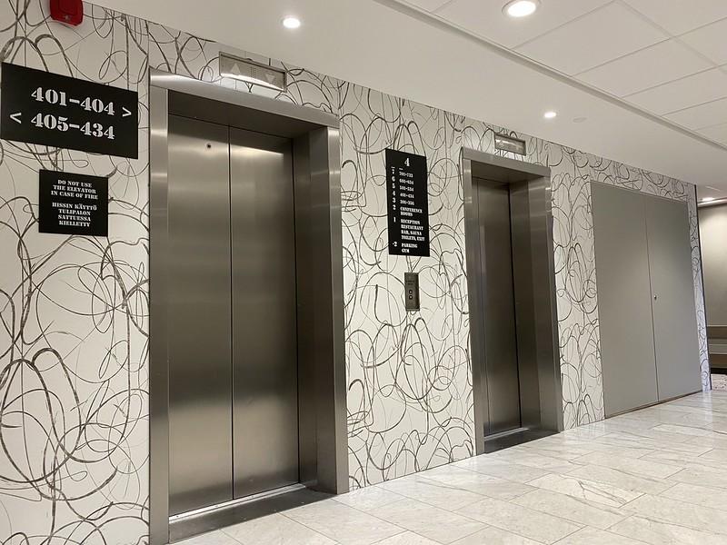 Scandic Pasilan kaksi hissiä kerroksessa 4