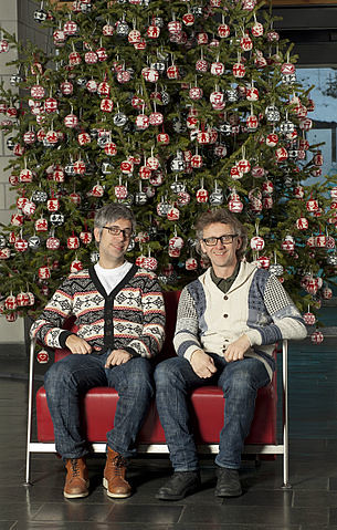 Arne_and_Carlos_Christmas_tree_decoration