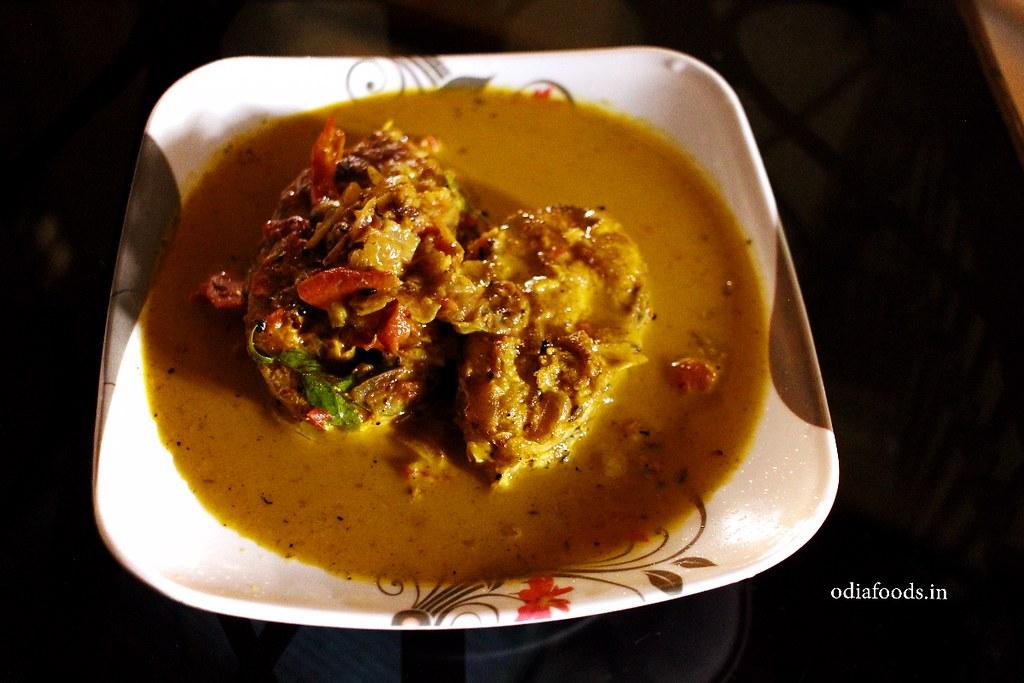 semi large fish fish curry in turmeric water - ବଡ ମାଛର ହଳଦି ପାଣି
