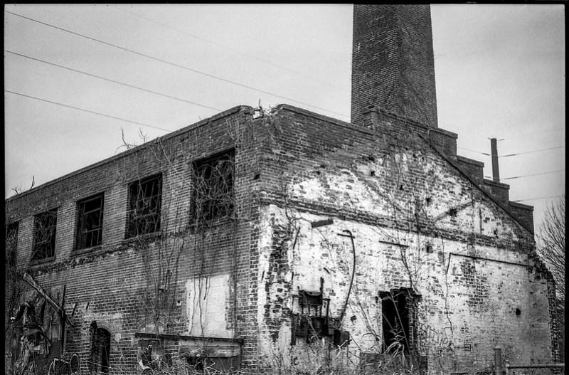 old brick mill, abandoned, urban decay, dusk, River District, Asheville, NC, Minolta XG-M, Super Albinon 28mm f-2.8, Ilford XP4+, Moersch Eco film developer, 12.17.20