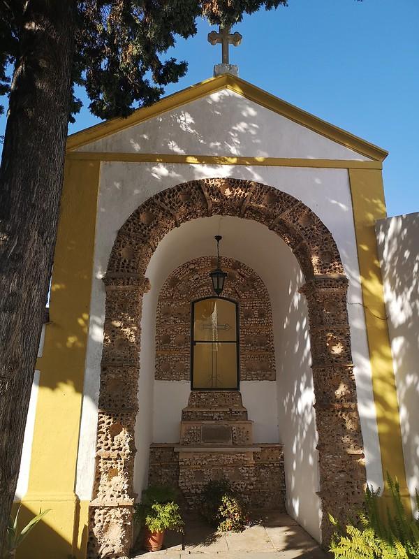 altar Capilla de los Huesos o Capela dos Ossos Iglesia del Carmen o igreja do Carmo Faro Portugal