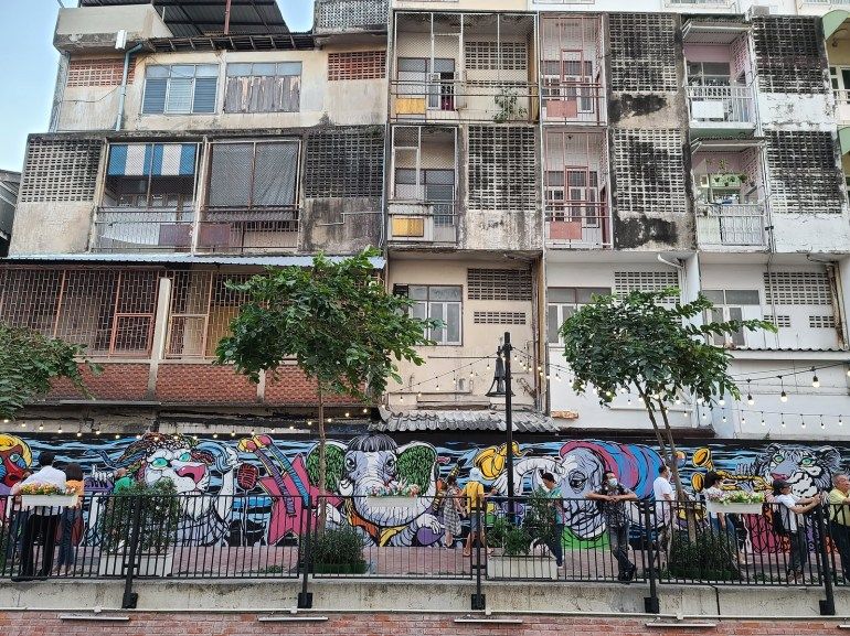 Street Art - ถนนคนเดินคลองโอ่งอ่าง