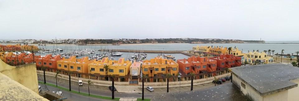 panoramica Ferragudo desde Portimao Rio Arade Algarve Portugal 01