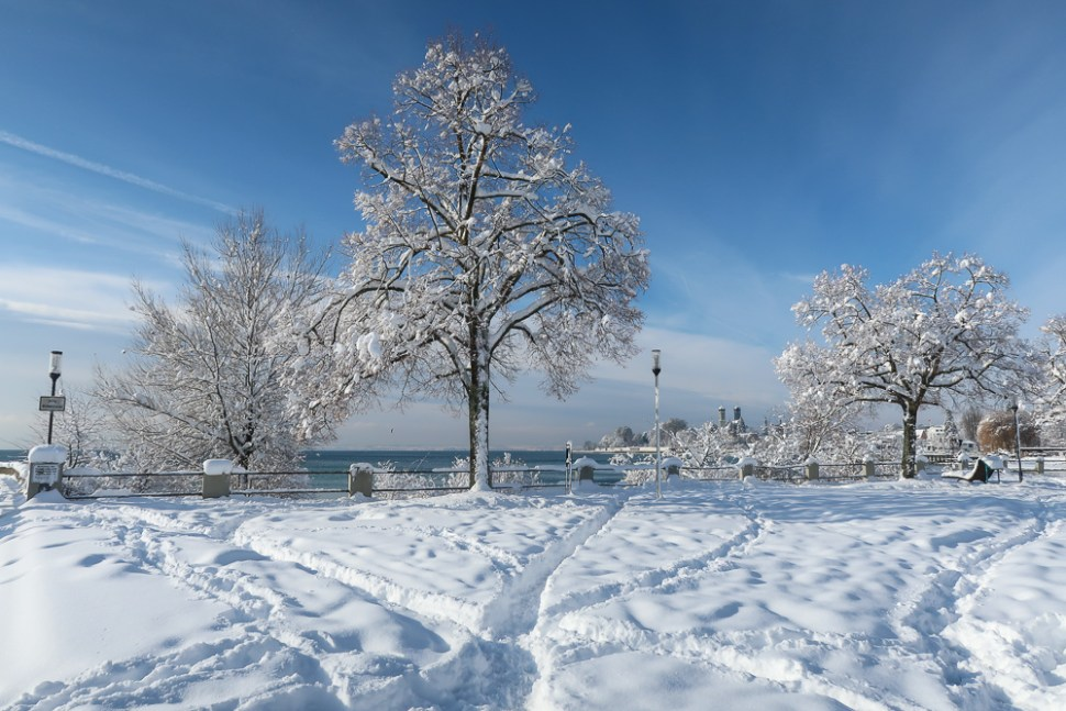 Sightseeing Walk Snow Lake Constance Friedrichshafen January 2021 Blog JoyDellaVita-24