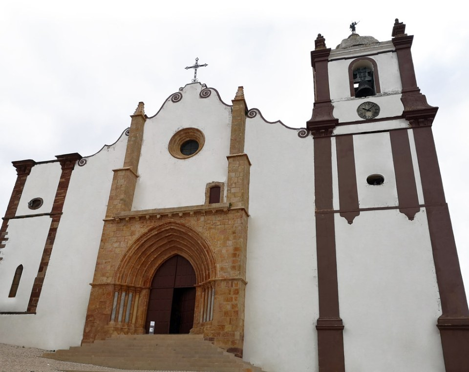 Silves exterior catedral Algarve Portugal