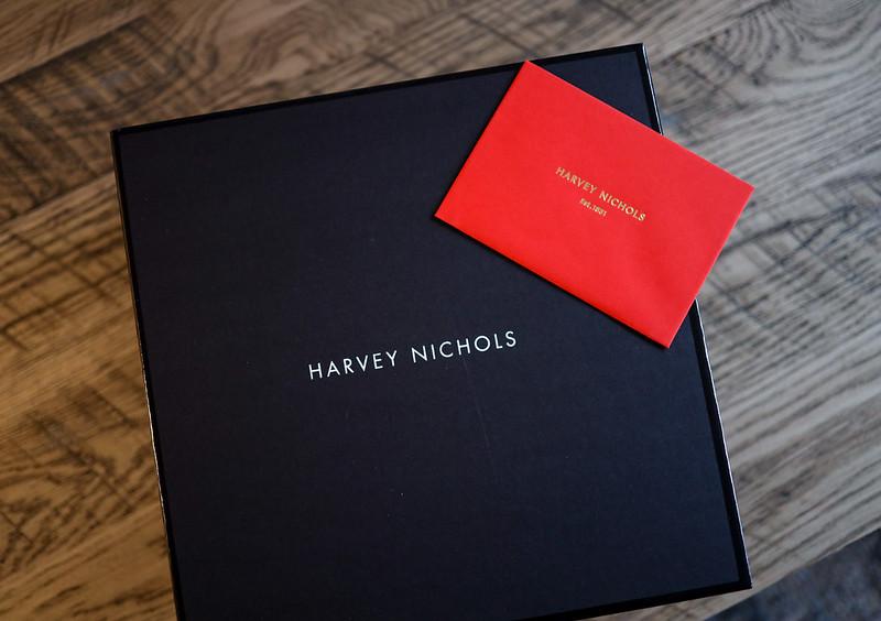 Harvey Nichols美妝盒開箱 +美妝推薦