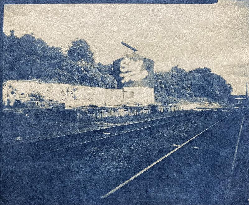 storage silo, railroad tracks, Asheville, NC. from 4x5 negative, Graflex Crown Graphic, Graflex Optar 90mm f-6.8, November 2020