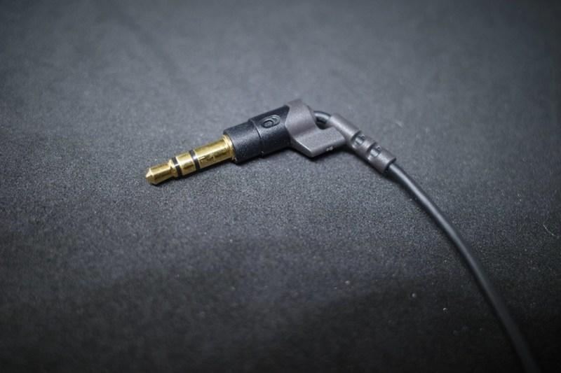 """エヴァンゲリオン アンビリカルケーブルEVA2020 × final 3D audio earphone """"Umbilical cable"""""""