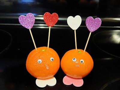 Wonderful Halos Love Bugs DIY @HalosFun #ValentinesDay #Craft #MySillyLittleGang