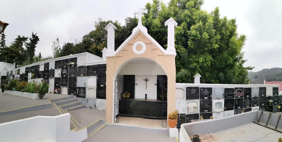 tumbas y lapidas interior del Cementerio de Teror Gran Canaria Islas Canarias 04