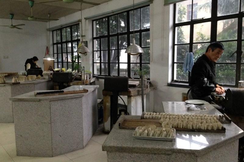 фабрика Шаньлянь хуби 善琏湖笔厂, каллиграфия, хучжоуские кисти