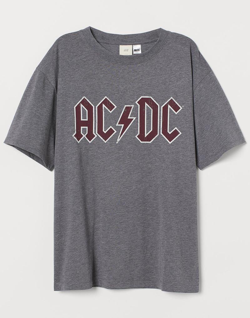 9_hm-ac-dc-graphic-print-t-shirt