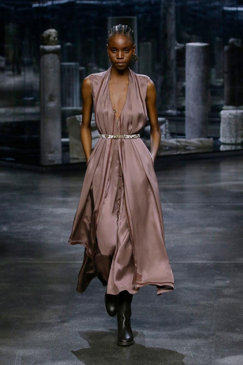 15-Fendi-Fall-2021-fashion-runway-show