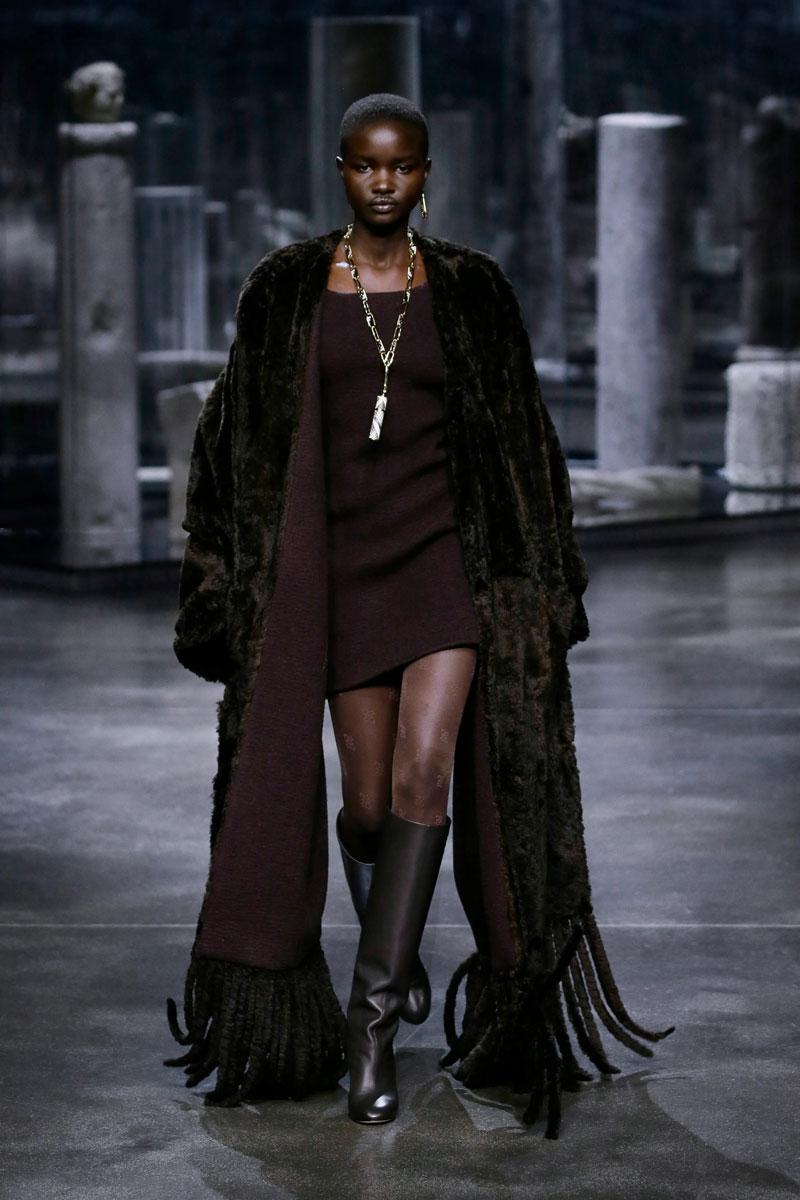 14-Fendi-Fall-2021-fashion-runway-show