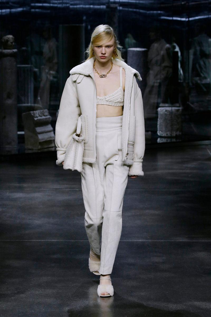 20-Fendi-Fall-2021-fashion-runway-show