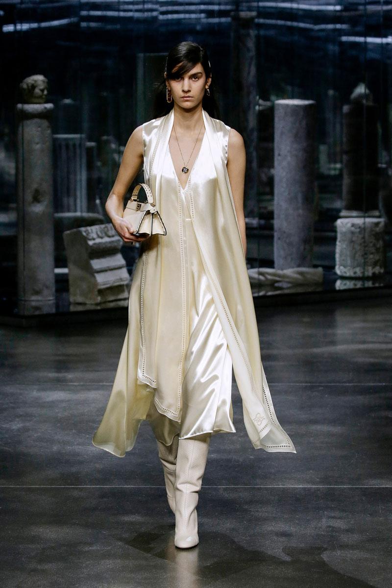 4-Fendi-Fall-2021-fashion-runway-show