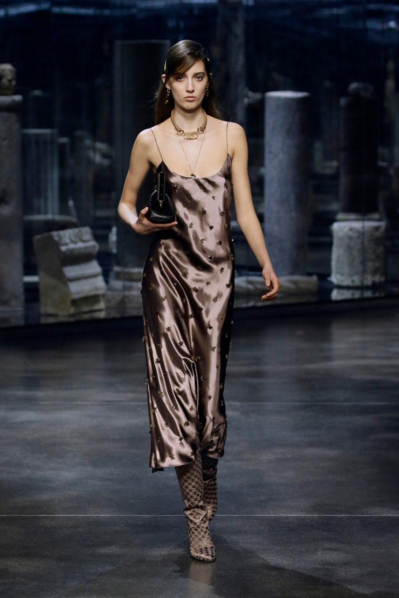 9-Fendi-Fall-2021-fashion-runway-show