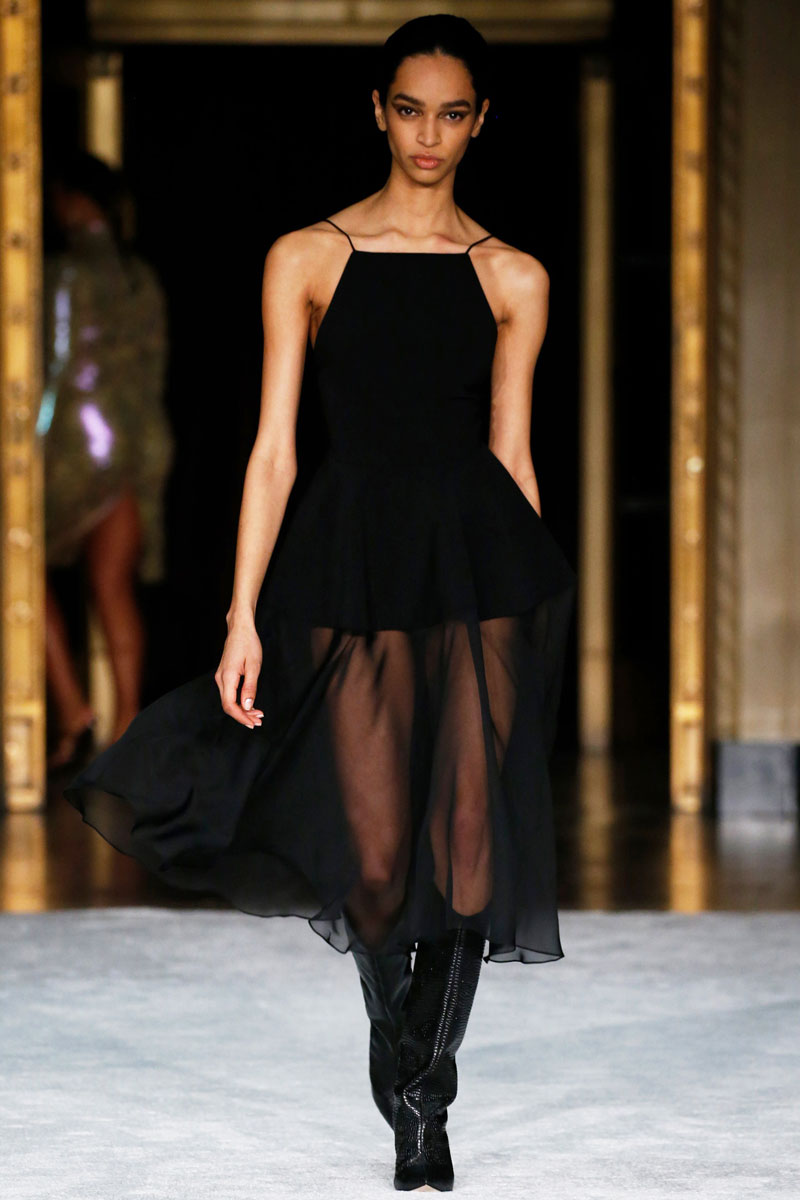 10-Christian-Siriano-Fall-2021-fashion-runway-show