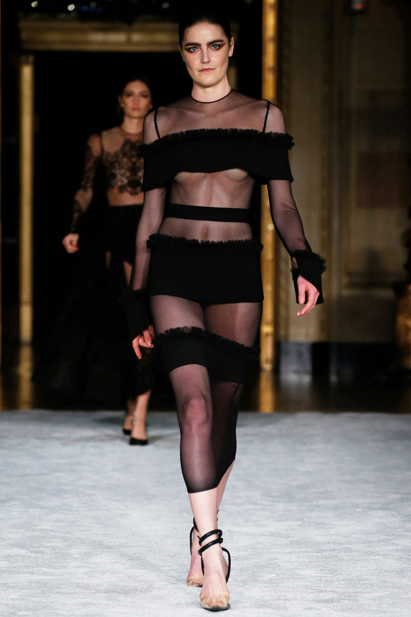 9-Christian-Siriano-Fall-2021-fashion-runway-show
