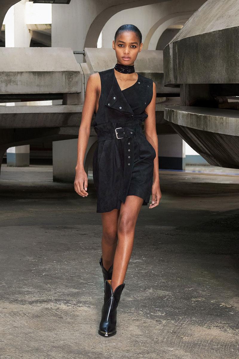 14_isabel-marant-fall-2021-runway-show-paris-fashion-week